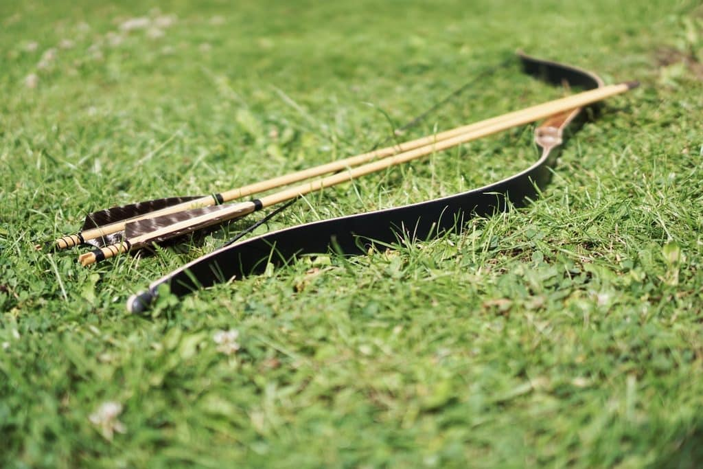 How To Choose Arrows For Recurve Bow featured